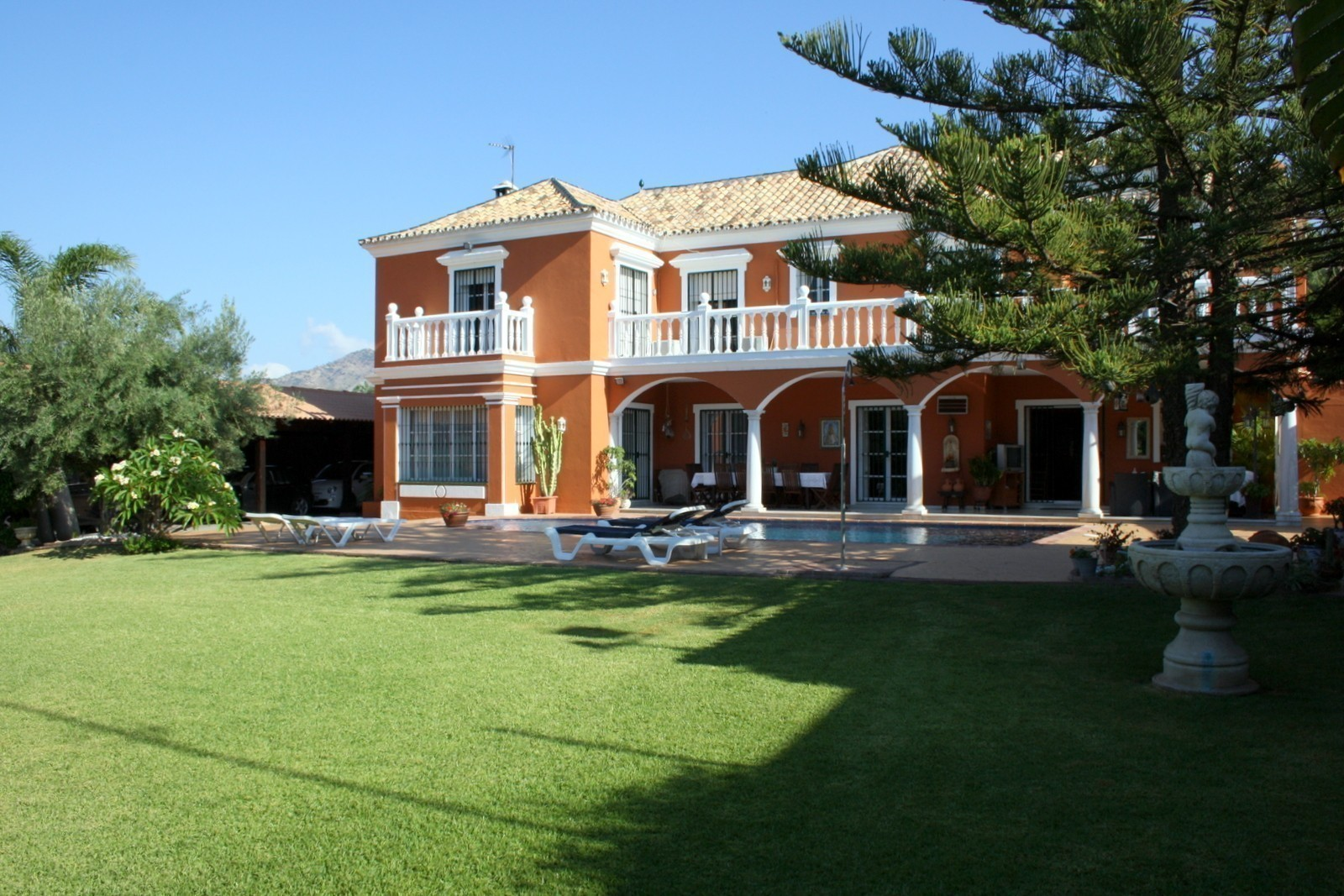 Country Style Villa with Football Pitch